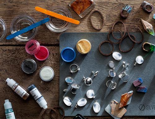 Żywica epoksydowa – jak stworzyć unikalną biżuterię?
