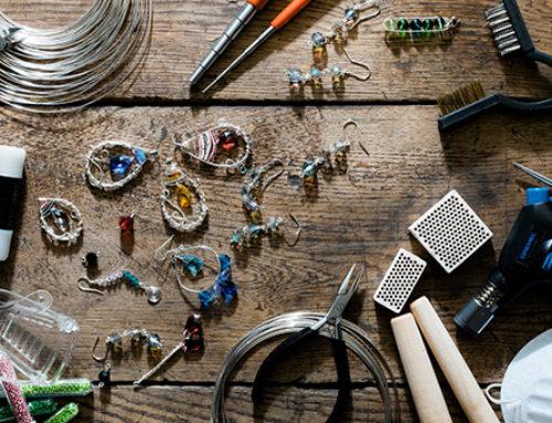 Wire wrapping – jak powstaje srebrna biżuteria z drutu